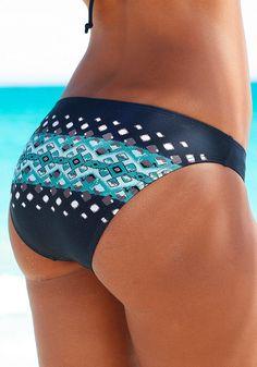 Mit trendigem Druck im Ethno-Look. Top im Nacken zu binden und im Rücken zu schließen. Bikini leicht gefüttert.  Aus 80% Polyamid, 20% Elasthan (LYCRA®). Futter: 100% Polyester....
