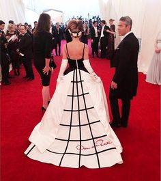 Sarah Jessica Parker de Oscar de la Renta en la Gala del Met, 2014.