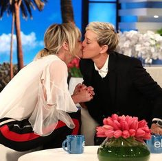 Ellen DeGeneres and wife Portia de Rossi share a kiss as they celebrate National Coming Out Day Portia De Rossi, Ellen And Portia Wedding, Ellen Degeneres And Wife, The Ellen Show, Ellen Degeneress, Couple Romance, Wedding Art, Lgbt Wedding, Wedding Stuff