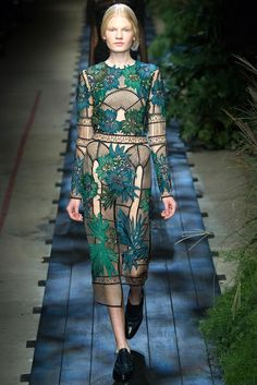 Erdem SS15 - pretty architectural influence combined with the floral print x