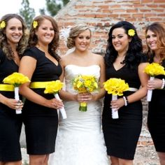 A Sierra Nevada Wedding with yellow and black wedding colors! (image via Jeramie Lu)