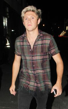 Niall leaving a night club last night, September 19 #9 - Celine