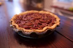 If you're looking for an easy holiday dessert, then check out this Cane Sugar Free Pecan Pie: it's free of refined sugars, dairy free, and has a gluten-free option! Pecan Desserts, Easy Holiday Desserts, Dessert Recipes, Holiday Recipes, Sugar Free Pecan Pie, Sugar Free Baking, Sugar Free Deserts, Sugar Free Recipes, Sugar Free Frosting