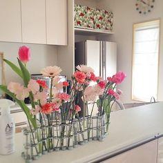 Jan 10th, 2016 * I know nothing about flower arrangement so just put them in a vase randomly. No matter how I put, they are still beautiful. * 収納スペースに押し込めただけなので、まだまだ片付けが必要な我が家。それでも少しはインテリア的なこと楽しみたく、むかーし買った#tsétséassociées の#vasedavril を引っ張りだして見ました。 子供たちに花を選ばせるとこの通り、ピンク一色になりますが…  #tsétsé #tsetse #ツェツェ #4月の花器 #flowervase #pinkflowers #スウェーデンハウス #swedenhouse #a2care #注文住宅 #一戸建て #home #myhome #ホーム #interior #インテリア #新築