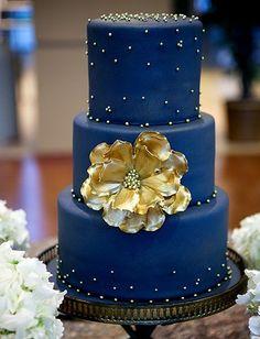 Royal Blue And Gold Wedding Cake Designs - Images Cake and Photos MasakanEnak. Beautiful Wedding Cakes, Gorgeous Cakes, Pretty Cakes, Amazing Cakes, Glamorous Wedding, Trendy Wedding, Wedding Navy, Luxury Wedding, Quirky Wedding