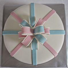 Alexandra's droomtaartjes: Gender reveal cake with bow / Gender reveal taart met strik