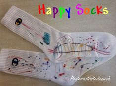 Diy For Kids, Cool Kids, Cool Socks For Men, Green Socks, Happy Socks, Crazy Socks, Mamas And Papas, Preschool Art, Kids Playing