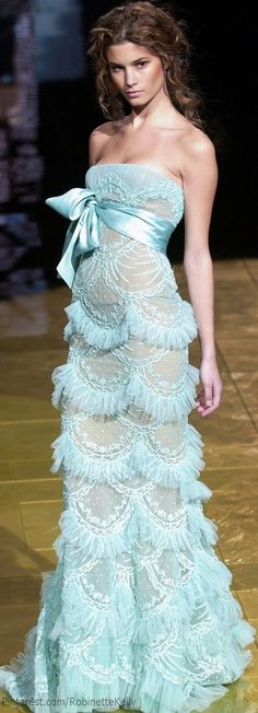 Elie Saab Haute Couture...very similar to a Dior dress I've pinned to this board.