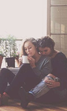 Maia Mitchell and Alycia Debnam-Carey <3 bffs