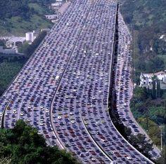 Il più grande #INGORGO di tutti i tempi: 260 KM http://www.ilpeggiodellarete.it/il-piu-grande-ingorgo-di-tutti-i-tempi-260-km/ #curiosità