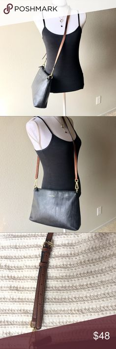 "Calvin Klein Medium sized Crossbody/Shoulder Purse Condition: Very good- very minor signs of wear  I cannot say enough good things about this bag- it's the perfect size and so comfortable to wear!  Cross body or shoulder bag  2 interior pockets & 1 interior zip pocket  Smoke free home   13-1/2""W x 8-1/2"" x 3""D Strap is approximately 18"" Calvin Klein Bags Crossbody Bags"