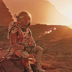 Movies: Matt Damon hits the Red Planet in new trailer for The Martian