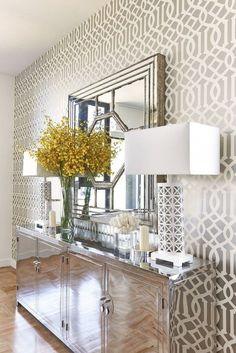 26 Hallway wallpaper decorating ideas | http://www.littlepieceofme.com/home-decor/26-hallway-wallpaper-decorating-ideas/