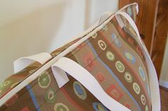 Add a Zipper to a Finished Tote Bag - Free Sewing Tutorial
