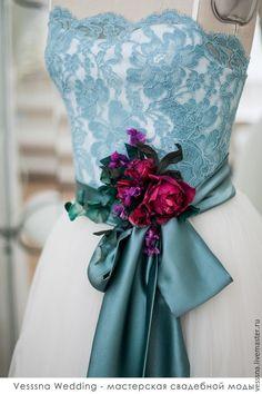 Купить Выпускное платье. Цветы из шёлка. - свадебное платье, свадебное платье с поясом