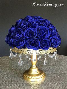 69 new ideas for diy wedding decorations centerpieces floral arrangements Royal Blue Centerpieces, Wedding Table Centerpieces, Flower Centerpieces, Wedding Decorations, Centerpiece Ideas, Sweet 16 Centerpieces, Vintage Centerpieces, Decor Wedding, Rosen Arrangements