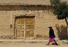 casas de adobe en el pueblito de Yavi, provincia de Jujuy, Argentina