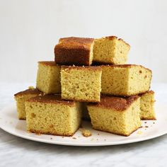 Cookbook authors including Andrew Carmellini and Giada De Laurentiis share favorite recipes from their books. Buttermilk Cornbread, Skillet Cornbread, Cornbread Recipes, Iron Skillet Recipes, Skillet Meals, Wine Butter, Gourmet Cooking, Sweet Potato Hash, How To Cook Steak