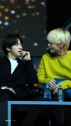 Alpha Kim Seokjin with his mated Omega Kim Taehyung attending a public event. Bts Boys, Bts Bangtan Boy, Kpop, V And Jin, Bts Wallpapers, Kim Jin, The Scene, About Bts, Actors
