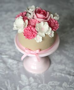 Cute flowers cake.