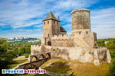 Zamek w Będzinie to miejsce gdzie z pewnością warto się wybrać będąc na Zagłębiu. Polecamy zwiedzenie zamku także wewnątrz!