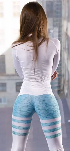 Sexy girls in hot yoga pants nice tight yoga pants on fitgirls Tight Leggings, Leggings Are Not Pants, Sexy Outfits, Sport Girl, Sexy Hot Girls, Yoga Pants, Fitness Models, Female Fitness, Sexy Women
