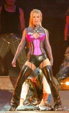 El nuevo #Vídeo de #BritneySpears; la #Cantante #Bailarina #Compositora #Modelo #Actriz #DiseñadoraDeModa #Productora #Empresaria y #Polemica #Polifacetica #Estaounidense Miss Lady Britney Jean #Spear (7) @CESCURAINA/Prensa en Castellano en Twitter