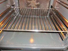 Πώς θα καθαρίσουμε το φούρνο; Σόδα Vs Αμμωνία Oven Cleaning, Baking Soda, Tray, Kitchen, Cooking, Kitchens, Trays, Oven Cleaner, Cuisine