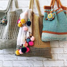 Made of cotton yarn Diy Crochet And Knitting, Crochet Tote, Crochet Handbags, Love Crochet, Crochet Clothes, Crochet Designs, Crochet Patterns, Fabric Bags, Market Bag