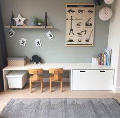 Zelf speelhoek maken DIY The pin is Zimmer Svenja. Please enjoy ! Baby Bedroom, Home Decor Bedroom, Kids Bedroom, Bedroom Ideas, Ikea Kids Room, Ikea Kids Desk, Ikea Hack Kids, Bedroom Toys, Bedroom Modern