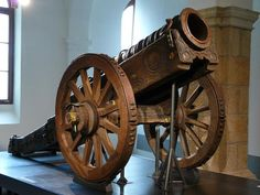 Faule Magd a bombard from Saxony of 1410-1430 mounted on a mobile gun carriage in 1510. Wrought iron. Barrel lenth 233 cm, barrel weight 1383,3 kg, caliber 345 mm, shell weight 48 kg. At Millitärhistorisches Museum der Bundeswehr in Dresden, Germany