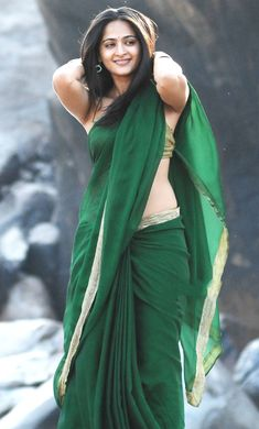 Anushka Shetty showing Hot Sexy Navel in Green Saree - Celebs Hot World HQ Photos No Watermark Pics . Beautiful Girl Indian, Most Beautiful Indian Actress, Beautiful Saree, Beautiful Bollywood Actress, Beautiful Actresses, Beauty Full Girl, Beauty Women, Anushka Shetty Saree, Anamika Khanna