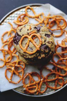 Chocolate Chip Pretzel Cookies | The Sugar Hit