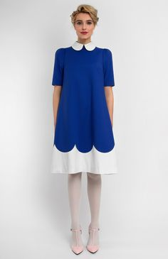 A-shape stretchy cotton dress. Decorative back pin bows. Round collar on a stand. Hidden back zip closure.