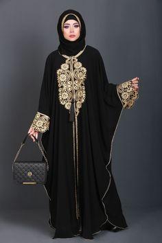 Dubai Fashion Week, Fashion Night, Fashion 2020, Fashion Men, Abaya Designs Dubai, New Abaya Design, Abaya Fashion, Muslim Fashion, Women's Fashion Dresses