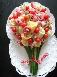 Ideas For Wedding Food Platters Beautiful Meat Platter, Food Platters, Cheese Platters, Meat Trays, Cute Food, Good Food, Yummy Food, Food Displays, Meat And Cheese