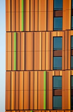 MassArt Residence Hall Designed As Boston Skyline Painting With Custom-Colored Alucobond Plus ACM Hall Design, Facade Design, Colour Architecture, Architecture Details, Rainscreen Cladding, Building Exterior, Building Facade, Skyline Painting, Boston Skyline