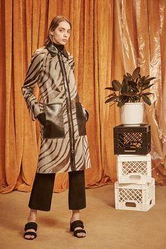 Sfilata Edun New York - Pre-Collezioni Autunno-Inverno 2016-17 - Vogue
