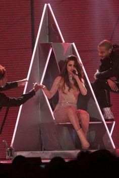 Selena Gomez Fashion, Selena Gomez Tour, Selena Gomez The Weeknd, Selena Gomez Style, Selena Homez, Roman Holiday Movie, Selena Gomez Pictures, Marie Gomez, Stage Outfits