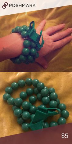JCrew chunky green bracelet With bow! Oh so JCrew of you! Bundle with a bunch of others! My closet is growing with tons of deals and steals on fun jewelry and accessories! Jewelry Bracelets