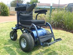Wow the cool Dassie 200 M Front Wheel Drive power wheelchair from Radical Mobility.
