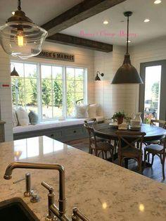 35 Popular Modern Farmhouse Kitchen Table - Home Design Farmhouse Kitchen Tables, Farmhouse Interior, French Farmhouse, Home Decor Kitchen, Home Kitchens, Modern Farmhouse, French Country, French Kitchen, Kitchen Modern
