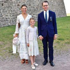Princess Victoria Of Sweden, Princess Estelle, Crown Princess Victoria, Princess Sofia, Prince And Princess, Victoria Prince, Princess Crowns, Princess Party Favors, Disney Princess Party