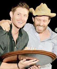Jensen and Rob #jensenackles #supernatural #jackles #spnfamily #dean #ja #robbenedict #loudenswain #chuck