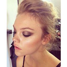 SHIMMERING BRONZE!! Summer ready Makeup // #makeup by @veronikamoreira_makeupartist // #bronzed #summer #summertrends #dewyskin #sunkissedskin #sunkissed #makeupartist #sydneymakeupartist