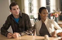 """Ashton Kutcher e Zoe Saldana em A Família da Noiva (Guess Who). 1-""""Eu poderia encontrar um milhão de razões para não ficarmos juntos, mas quer saber? Eu não me importo! """""""
