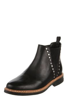 Botas 2018 / 2019 - Femeninas con plataforma   Dafiti Argentina Chelsea Boots, Ankle, Outfits, Shoes, Fashion, Wedges, Boots, Over Knee Socks, Buenos Aires Argentina