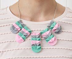 DIY jewellery: Scalloped felt necklace