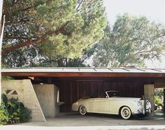 Most Intriguing House in LA: Lautner Sheats Goldstein Residence john lautner's goldstein ca haus Modern Architecture House, Architecture Design, Architecture Interiors, Classical Architecture, Bungalow, Famous Architects, Mid Century House, Mid Century Design, Exterior Design