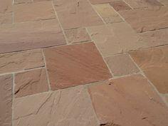 Der Naturstein taucht Ihre Terrasse in ein Farbspiel, das seinesgleichen sucht – jonastone